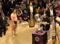 この画像は、サイトの記事「大相撲 優勝 ネットや口コミで話題 YouTube注目無料視聴動画ご紹介!」のイメージ写真画像として利用しています。