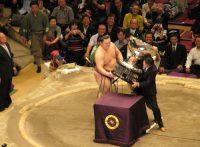 この画像は、サイトの記事「大相撲 総理 ネットや口コミで話題 YouTube注目無料視聴動画ご紹介!」のイメージ写真画像として利用しています。