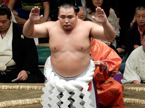 この画像は、サイトの記事「大相撲 秋場所 2016 ネットや口コミで話題 YouTube注目無料視聴動画ご紹介!」のイメージ写真画像として利用しています。