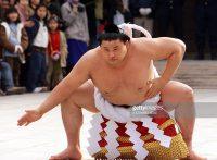 この画像は、サイトの記事「大相撲 名勝負列伝 ネットや口コミで話題 YouTube注目無料視聴動画ご紹介!」のイメージ写真画像として利用しています。